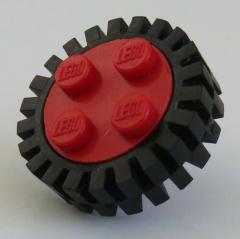 LEGO - Rad / Felge, rot mit 4 Noppen und Reifen, schwarz, (2 Stück), # 7039c03